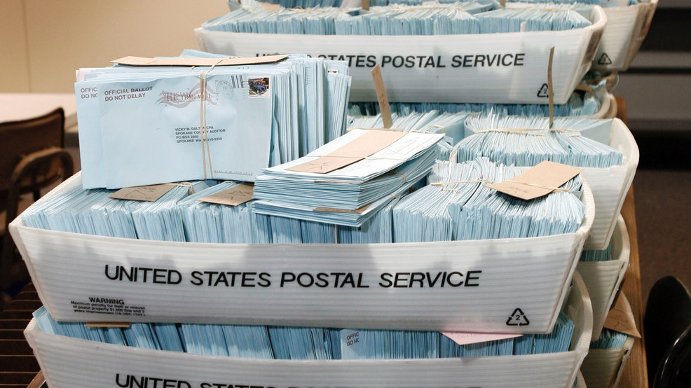 Postal workers, Rep. Blumenauer hold rally against delays, to protect vote-by-mail