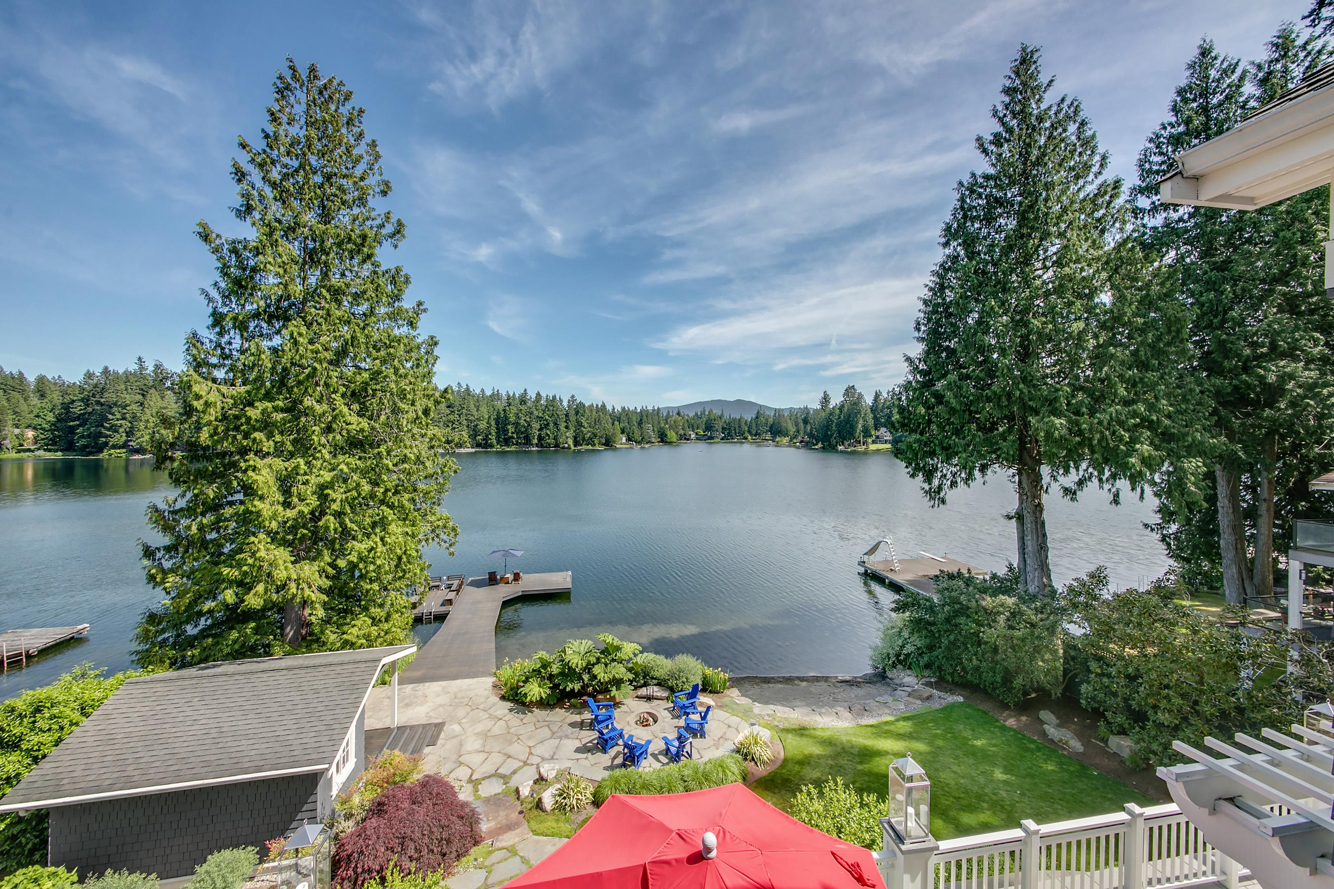 Because Pine Lake only allows electric motor boats, you can be sure you're your time relaxing on the patio won't be interrupted by the roar of gas-powered boats.