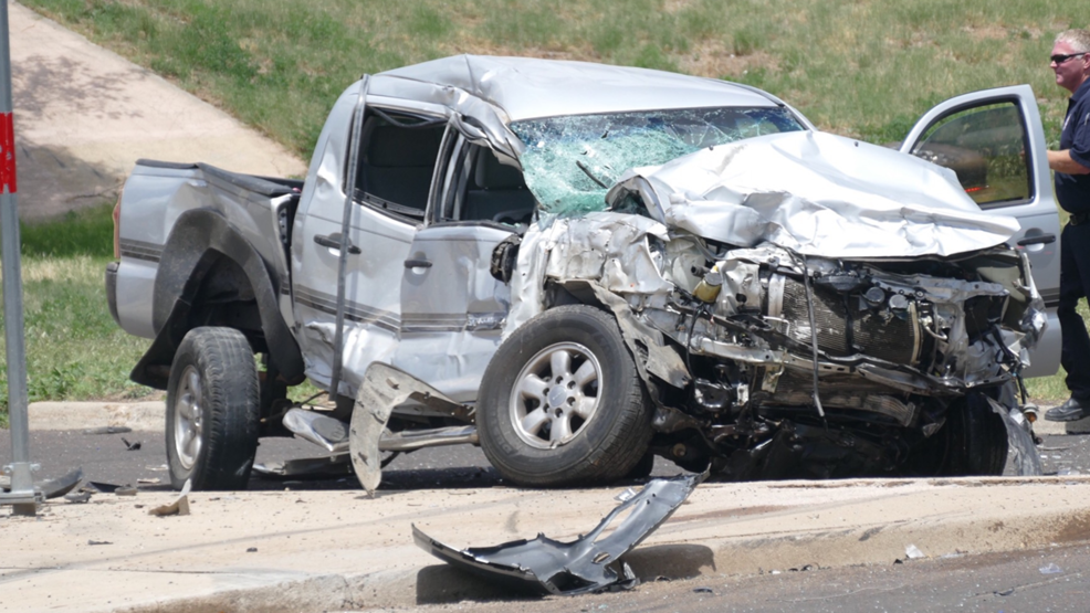 2 people taken to hospital after wreck near I-40, Crockett | KVII