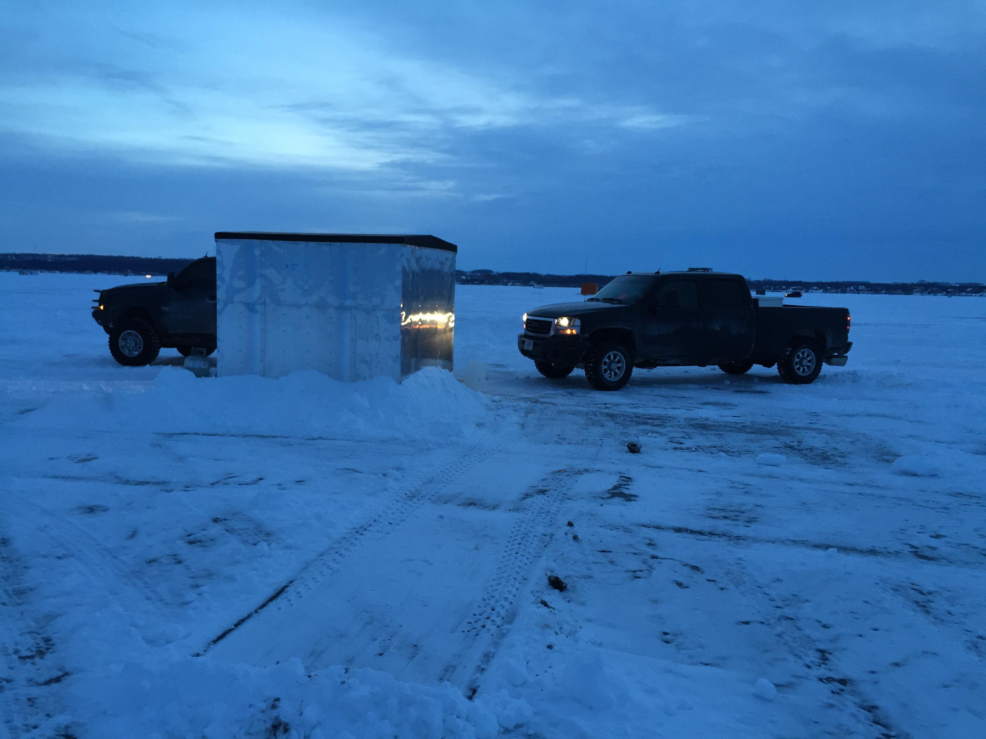 Sturgeon spearing shack on opening morning on Lake Winnebago(WLUK/Eric Peterson).
