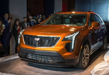 NEW YORK AUTO SHOW: Cadillac unveils 2019 XT4 crossover