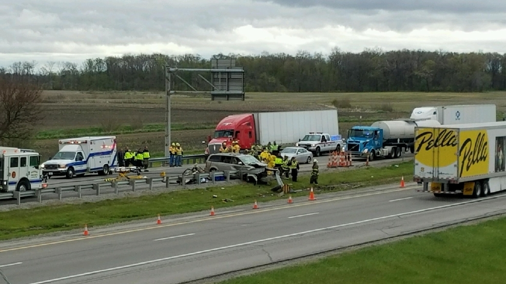 Fatal crash closes westbound lanes of Ohio Turnpike in