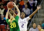 P12_Oregon_Washington_Basketball__vcatalani@fisherinteractive.com_5.jpg