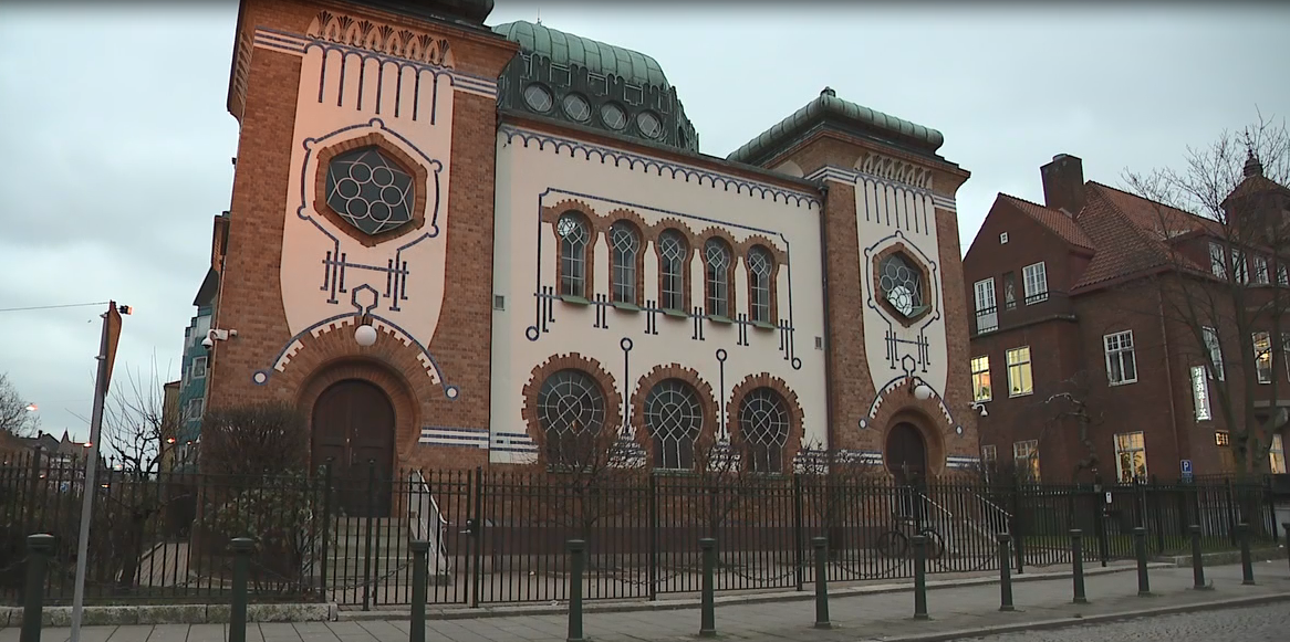 A look outside Malmö, Sweden's historic synagogue (Sinclair Broadcast Group)<p></p>